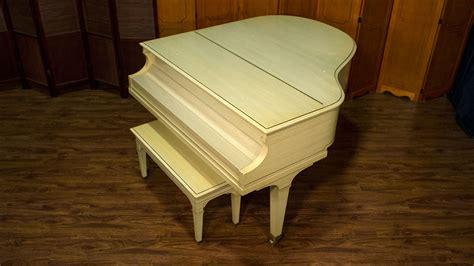 ivory baldwin baby grand piano  sale model  pianos