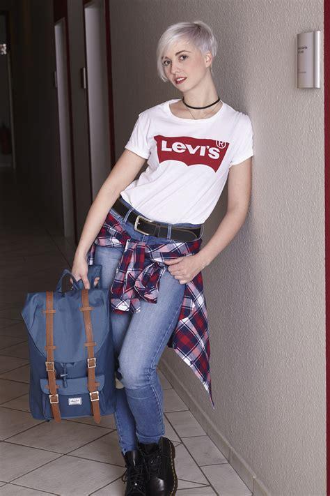 90er damen 90s kommen die 90er wieder in mode levis logos und co