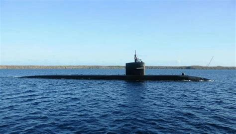 Fast Boat Chicago by Uss Chicago Ssn 721 She S A Sleek New Fast Attack Boat