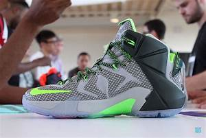"""Monday Night Preview: LeBron 12 """"Dunk Force"""" - SneakerNews.com"""