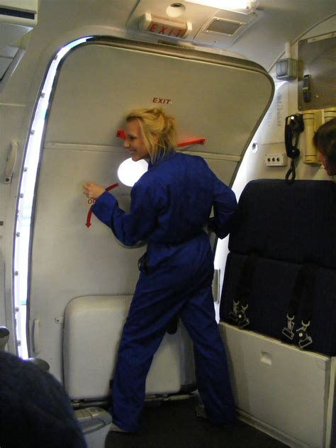 air cabin crew courses air cabin crew airline customer service agents cabin