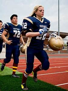 The first woman to play American football for Oxford ...