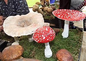 Deko Pilze Aus Keramik : keramikpilze thomas m ller auf ~ Bigdaddyawards.com Haus und Dekorationen