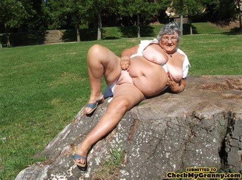 Super Size Mature Bbw Granny Pulls Down Her Xxx Dessert