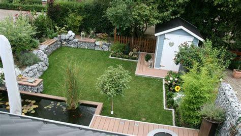 Garten Doppelhaushälfte Gestalten by Garten Mit B 228 Nken Und Gartenhaus Deko F 252 R Zu Hause
