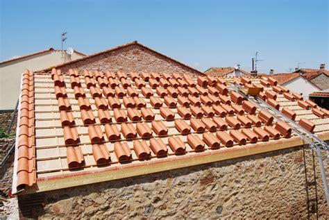 semaine  des tuiles sur le toit la grange loft