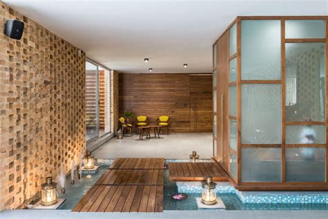 Ag+p Home Design : Tropical House By Design Work Group, India