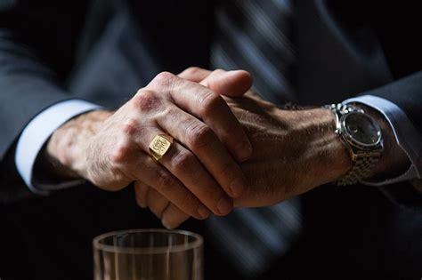 signet ring   wear   spoke style