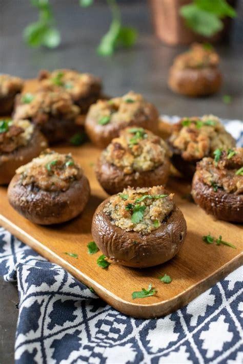 Kërpudha të mbushura me salçiçe - Gatime Shqiptare