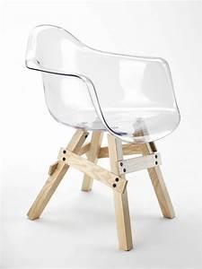 Chaise Transparente Pied Bois : chaise design transparente en 34 mod les l gers et limpides ~ Teatrodelosmanantiales.com Idées de Décoration