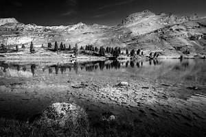 Schwarz Weiß Kontrast : die alpen in schwarz wei foto bild landschaft berge bergseen bilder auf fotocommunity ~ Frokenaadalensverden.com Haus und Dekorationen