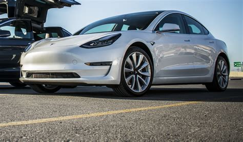 33+ Tesla 3 Smartphone Premium Gif