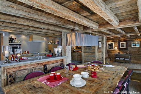 emploi cuisine suisse en suisse un chalet authentique et tout confort maison créative