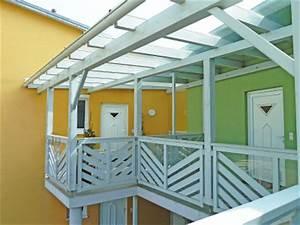 Vordach massiv holz mit glasdeckung passend zu ihrem for Französischer balkon mit garten laser weiss