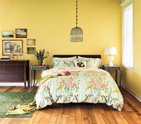 cozy country getaway  decorating ideas  bedrooms