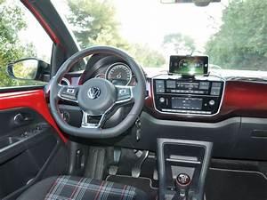 Volkswagen Up Coffre : en images essai volkswagen up gti volkswagen up gti coffre challenges ~ Farleysfitness.com Idées de Décoration