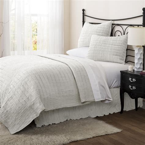 lush d 233 cor crinkle white bedskirt queen home bed