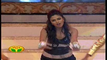 Amala Paul Navel Ever Showing Moving Cleavage