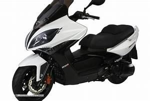Permis Scooter 500 : pr sentation du maxi scooter kymco xciting 500 ri ~ Medecine-chirurgie-esthetiques.com Avis de Voitures