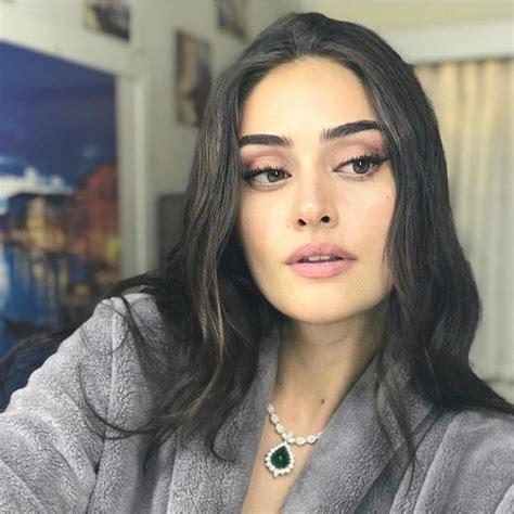 Bu dizde 4 sezon yer alan bilgiç. Esra Bilgic   Esra bilgic, Turkish beauty, Classic film stars