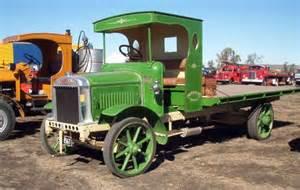 1910 1920 Mack Trucks