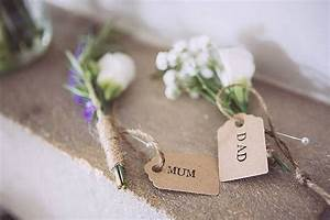 CRIPPS BARN WEDDING FLOWERS RELAXED RUSTIC WEDDING WITH