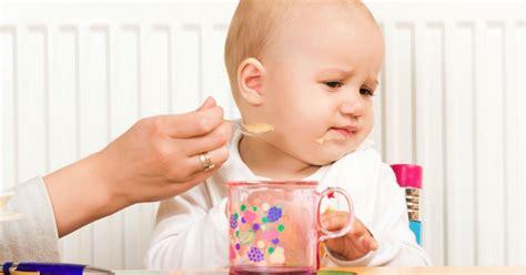 bebe 8 mois ne tient pas assis 28 images la position assise guide de nourrison et non il ne