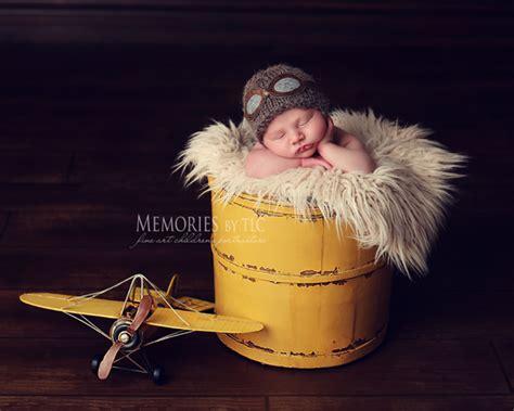 7 Esssential Newborn Photography Props