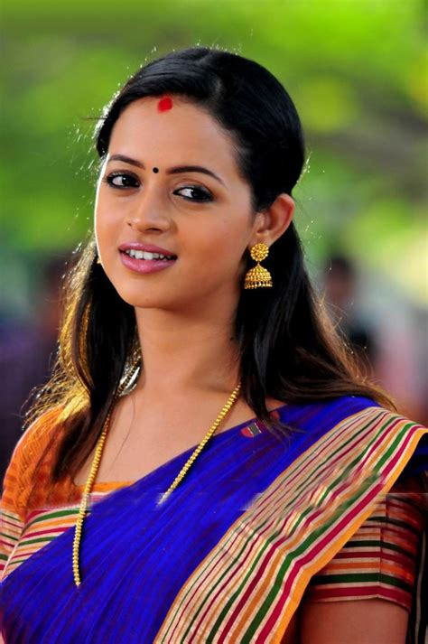 South Indian Actress Bhavana Hot Pictures Puredesipics