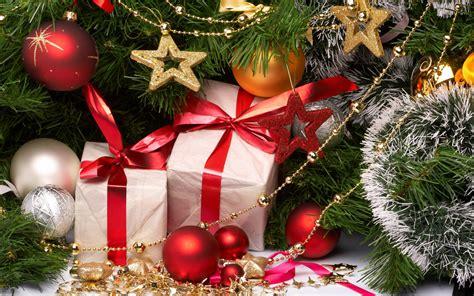 fondo de pantalla regalos bajo arbol de navidad hd