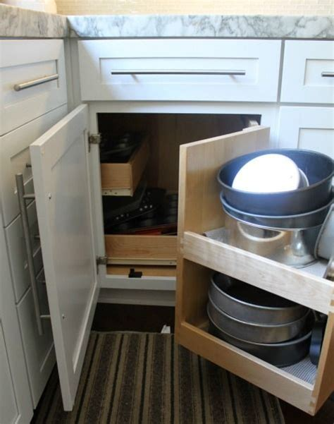 Best 25  Corner cabinet kitchen ideas on Pinterest   Lazy