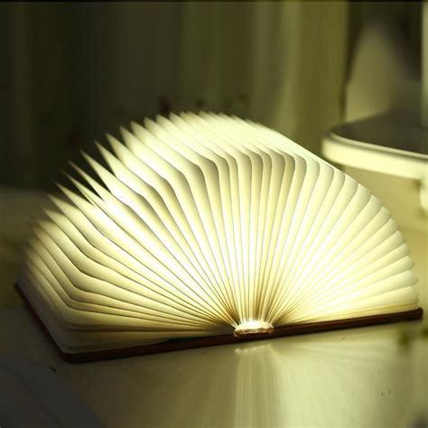 le de chevet lecture le de chevet creative le de lecture pliante led usb rechargeable d 233 coratif quatre couleurs
