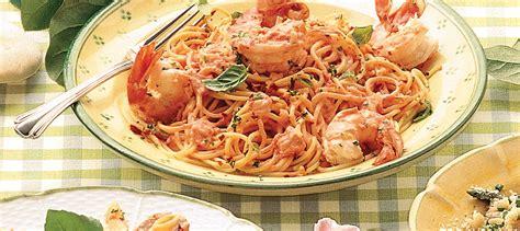 cuisiner du saumon linguine aux crevettes à la sauce tomate crémeuse recette
