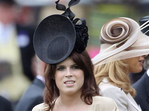 Princesses Eugenie and Beatrice wore simple hats to Harry and Meghan Markle's wedding - INSIDER