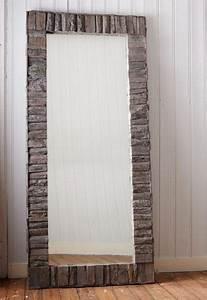 Spiegel Rund Holzrahmen : die besten 25 gro er spiegel ideen auf pinterest fischgr tenholzb den rustikaler ganzk rper ~ Whattoseeinmadrid.com Haus und Dekorationen