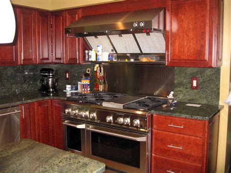 kitchen backsplashes with granite countertops tropical green granite installed design photos and reviews 7719