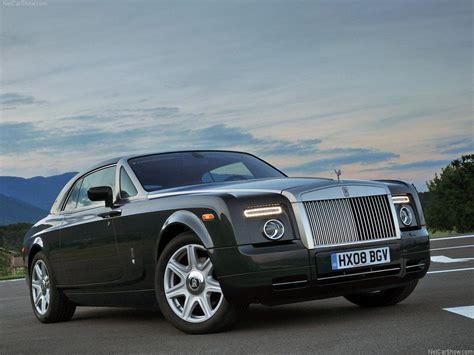 Brand Battle Bentley Vs Rollsroyce