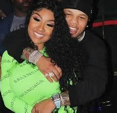 Lightweight champion gervonta davis appeared to be captured on video grabbing a woman by the throat and pulling her out of a basketball game on saturday. Ariana Fletcher Biography, Age, Wiki, Height, Weight, Boyfriend, Family & More