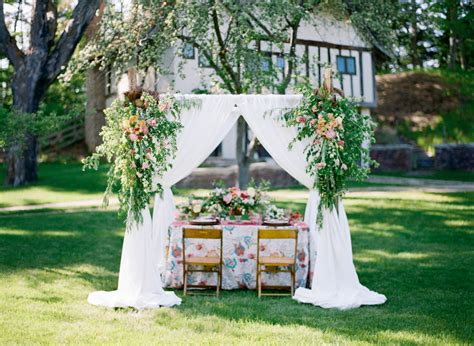 Summer Backyard Wedding by Apple Cottage Charlevoix Michigan Tableau Events