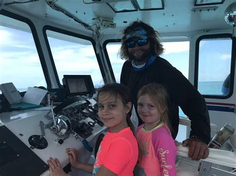 Captain Let Us Drive The Boat! Robbie's Of Islamorada