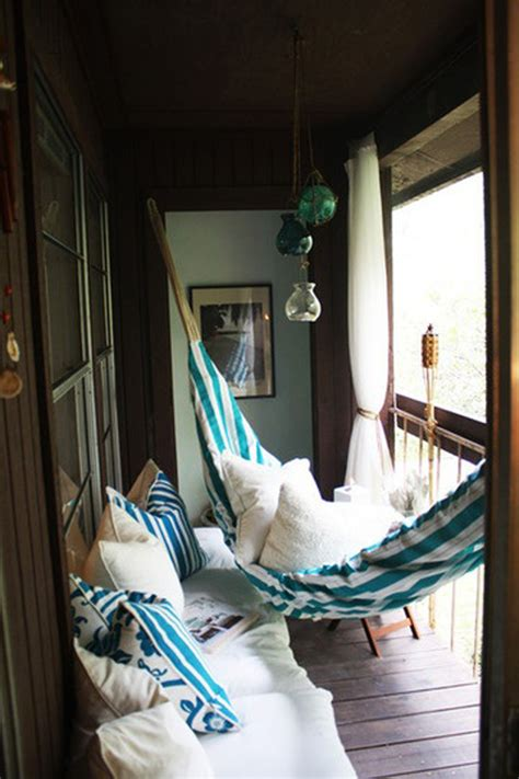 cool ideas    small balcony cozy shelterness