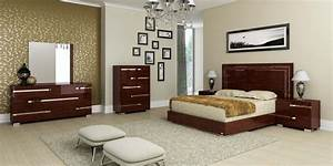 Small Master Bedroom Ideas: Big Ideas for Small Room