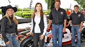 Earnhardt's Widow Wages War On Son With Statement