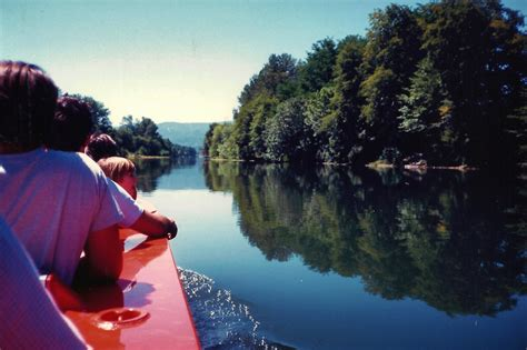 rogue jet boat river grants pass oregon motel rides scenery