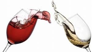 Wein Und Glas Essen : wein auswahl bild zeigt die besten weine bei superm rkten und discountern essen trinken ~ A.2002-acura-tl-radio.info Haus und Dekorationen