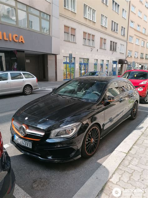 What we have here, ladies and gentlemen, is a car that a designer, not a model, would drive. Mercedes-Benz CLA 45 AMG Shooting Brake OrangeArt Edition - 12 October 2019 - Autogespot