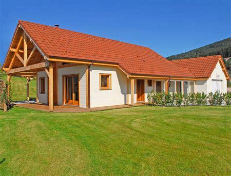 plan plain pied 2 chambres maison bois de plain pied avec étage aménageable nos