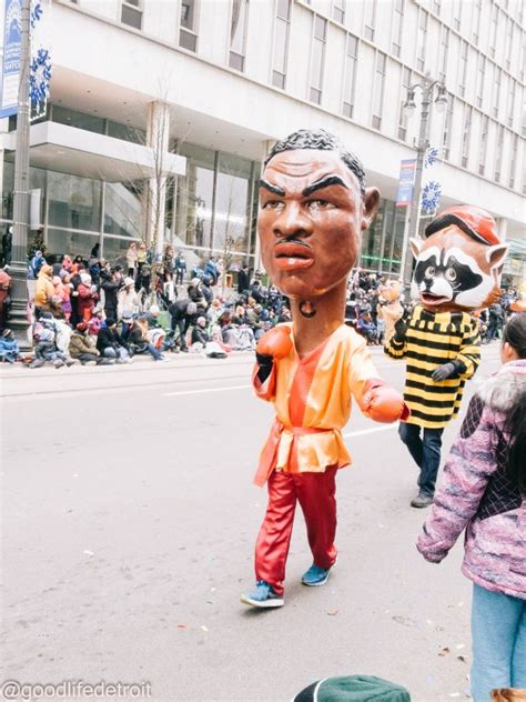 photographs    detroit thanksgiving parade