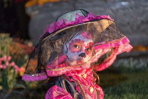 Así celebran el 'Día de Muertos' fuera de México - El Maya