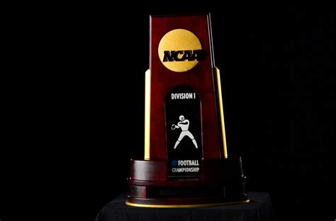 NCAA Championships: FCS Playoff Semifinals, Division II ...